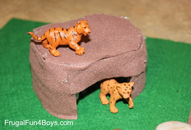 DIY Felt Play Scene for Toy Animals