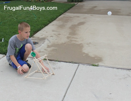 How to build a catapult out of pre-cut dowel rods and rubber bands