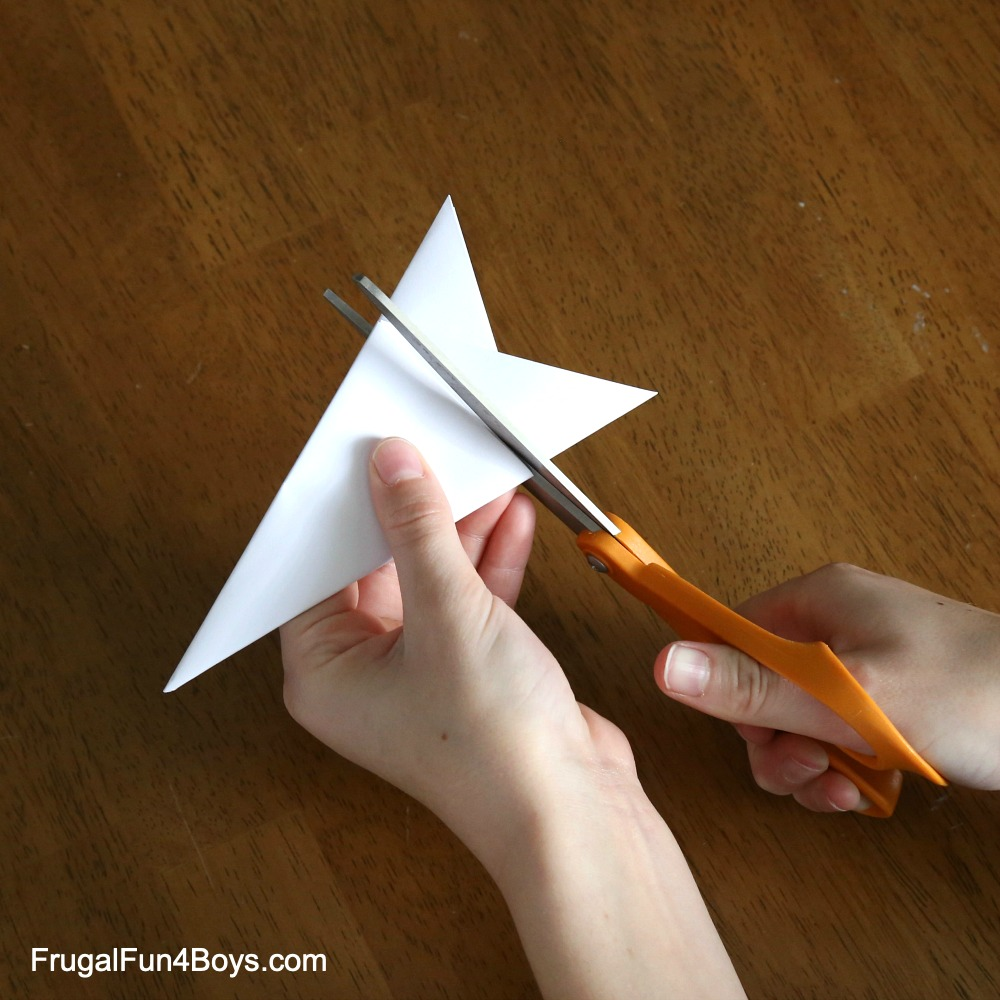 How to Make a Paper Snowflake | Sprout English | 1000x1000