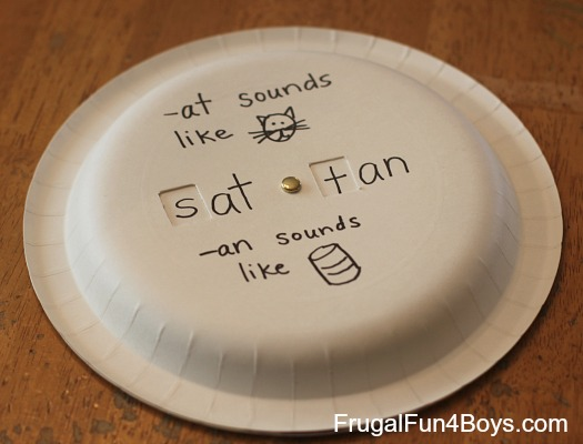 Paper Plate Phonics Game