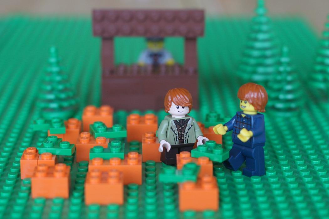 Create your own Lego calendar