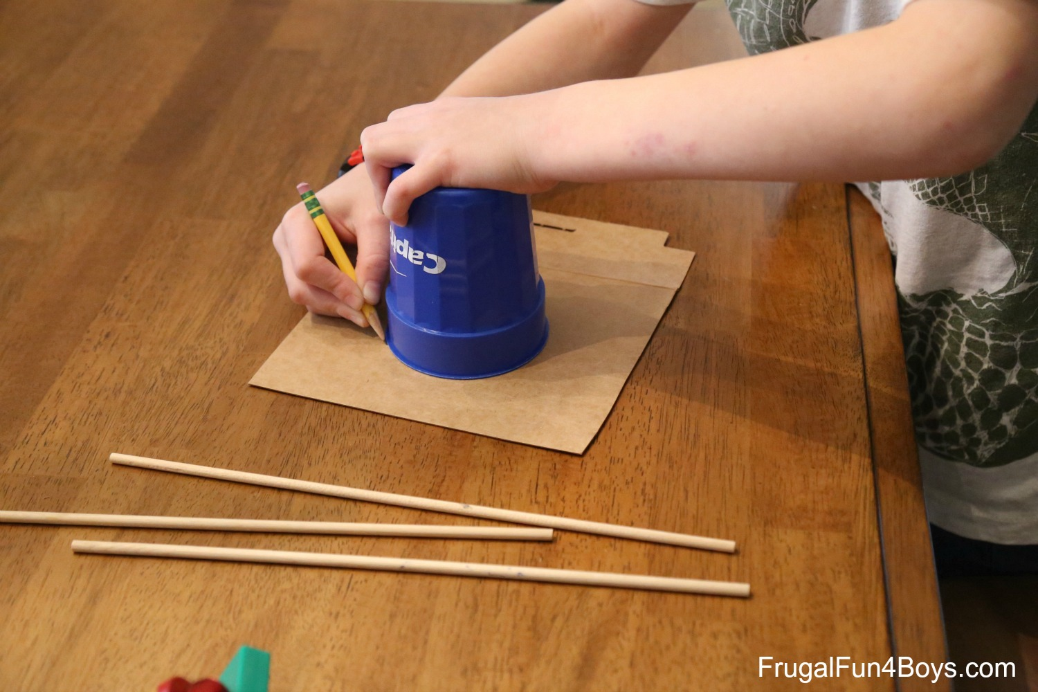 Amazing Spinning Pen - A Magnet Science Project for Kids