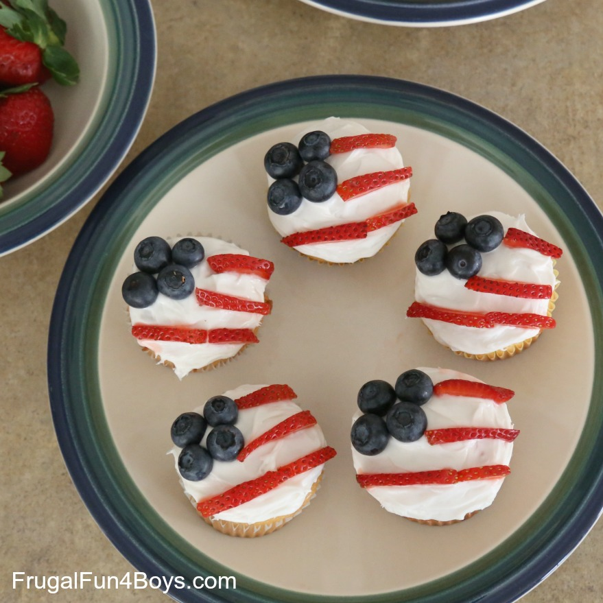 Patriotic Flag Cupcakes for July 4th