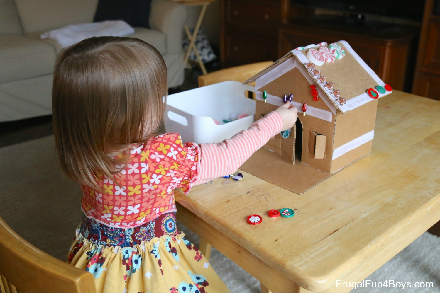 Decorate and Re-Decorate this Adorable Velcro Gingerbread House!