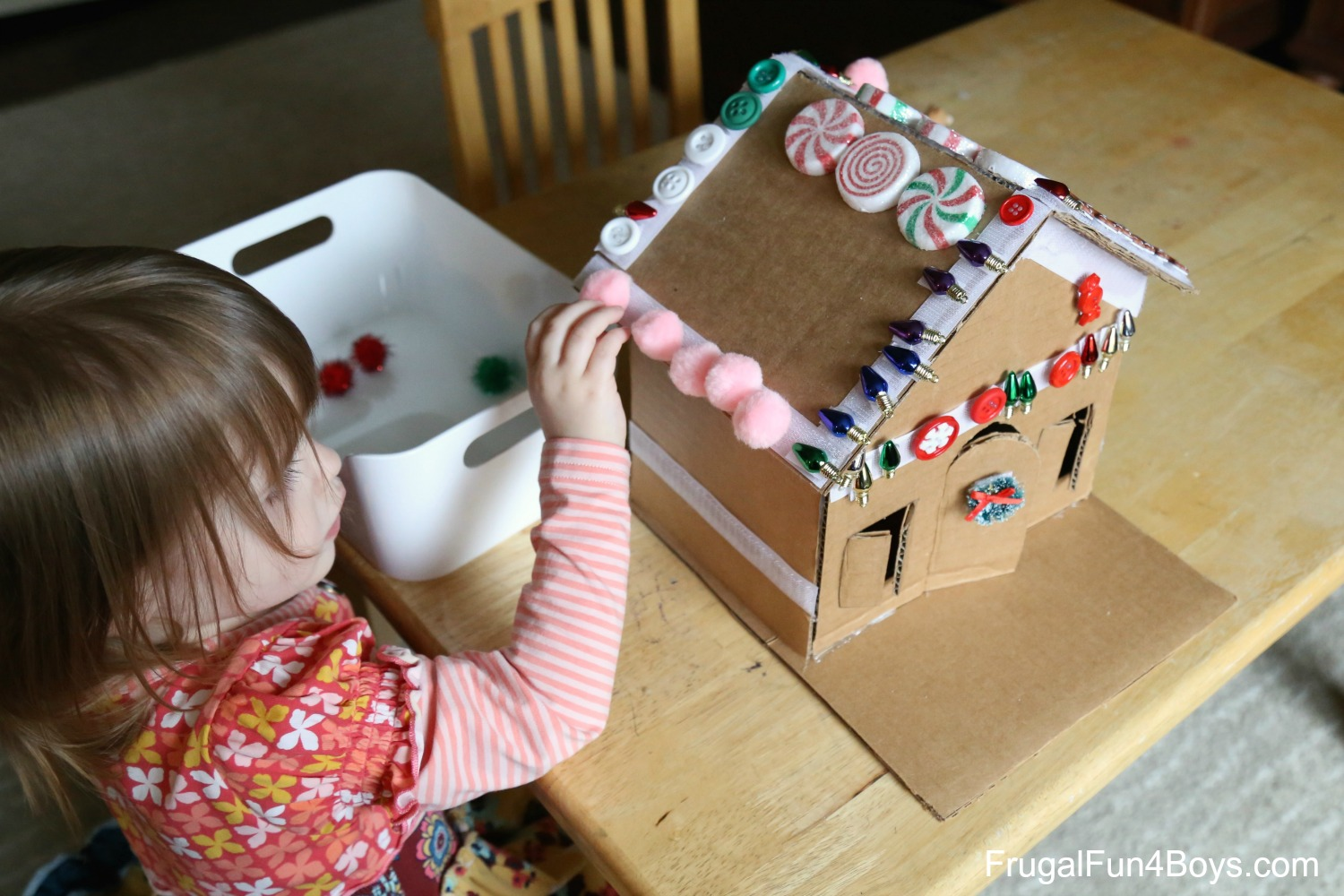 Decorate and Re-Decorate this Adorable Velcro Gingerbread House