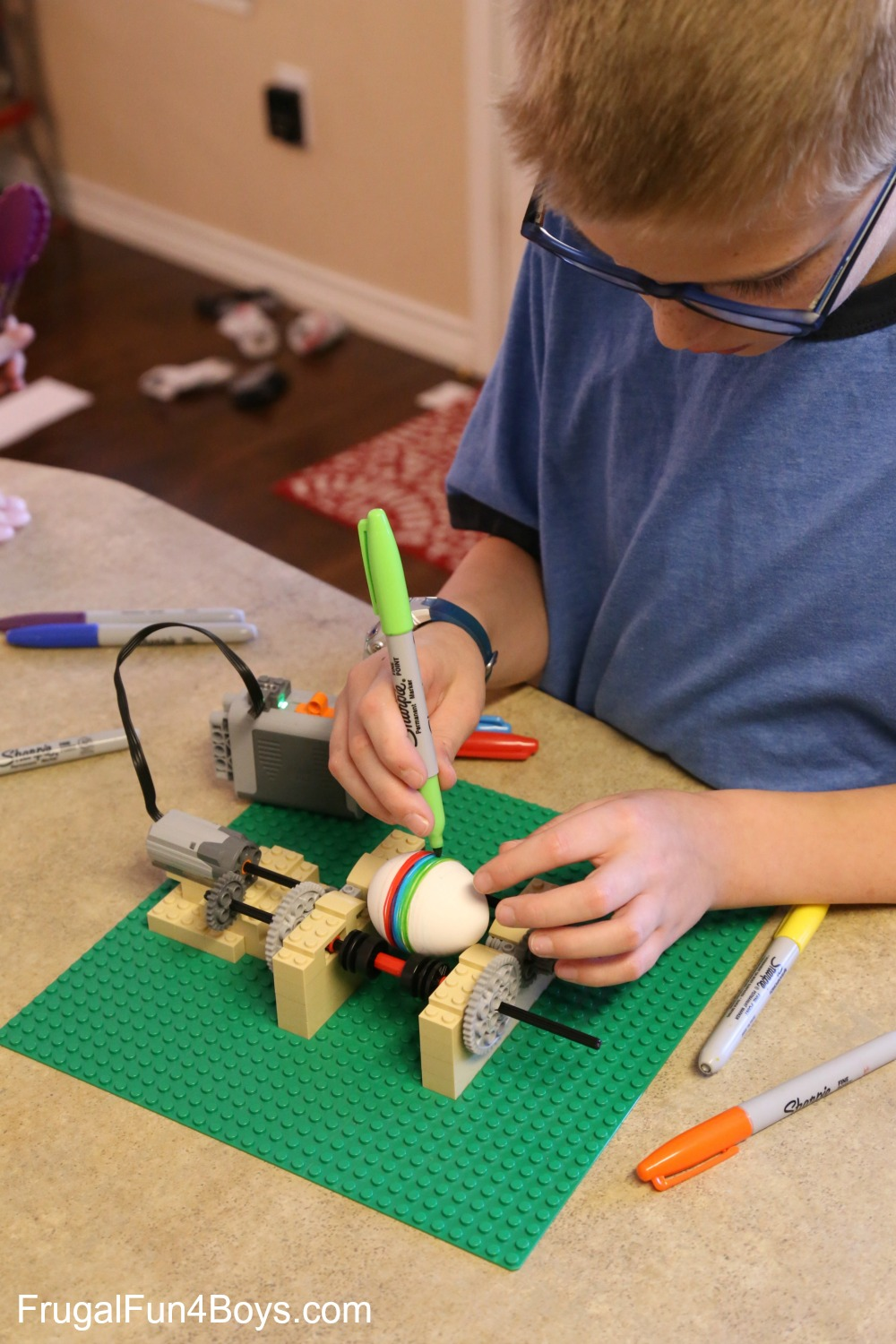Build a LEGO Egg Decorating Machine