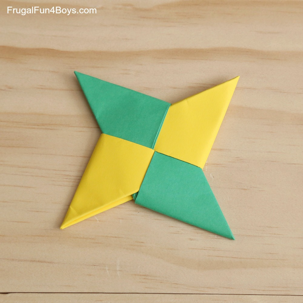 How To Make a Paper Transforming Ninja Star #2 - Origami - YouTube | 1000x1000