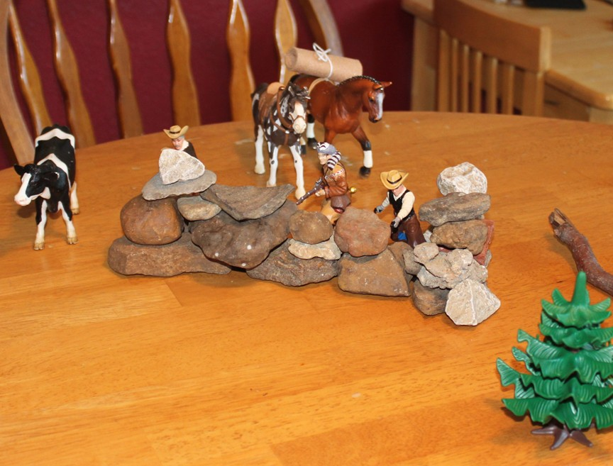 Easy To Make Accessories For Cowboys And Indians