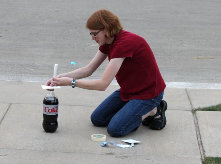 Science Fun:  A Mentos and Diet Soda Fountain!