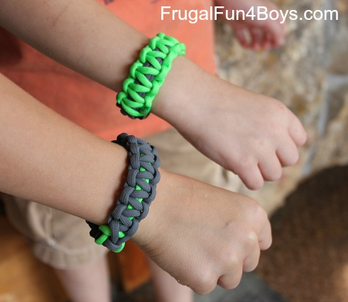 How to make a parachute (paracord) bracelet