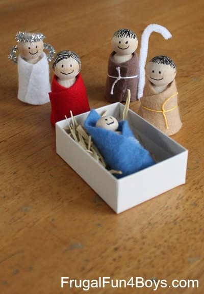 Easy Wooden Peg Nativity Sensory Bin