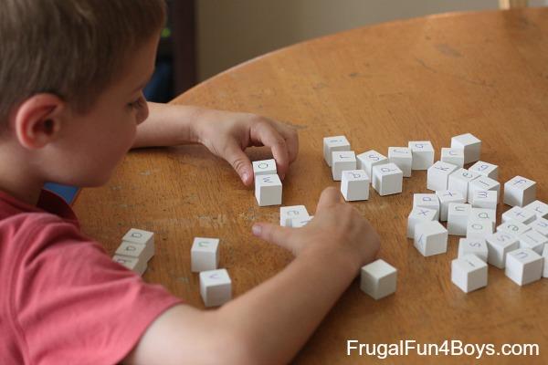 DIY Spelling Blocks Phonics Manipulative