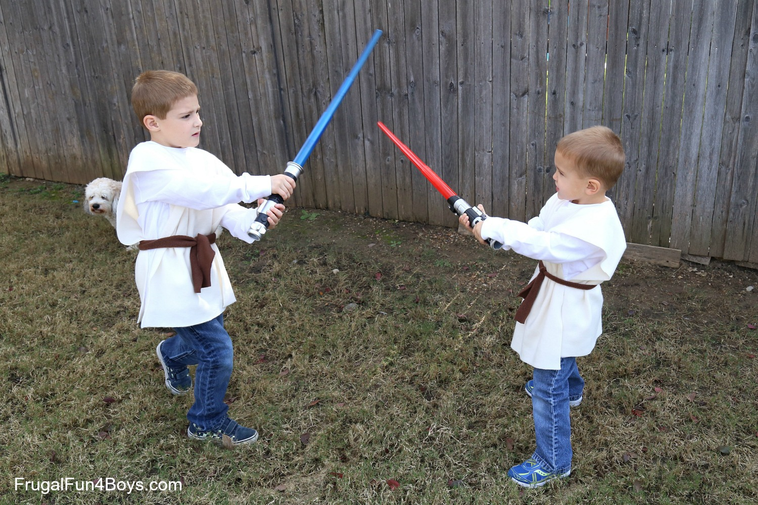 Star Wars Lightsabers and No-Sew Jedi Costume Gift Idea  sc 1 st  Frugal Fun For Boys & 10 Minute No-Sew Jedi Costume and Toys R Us Lightsaber Review (And ...