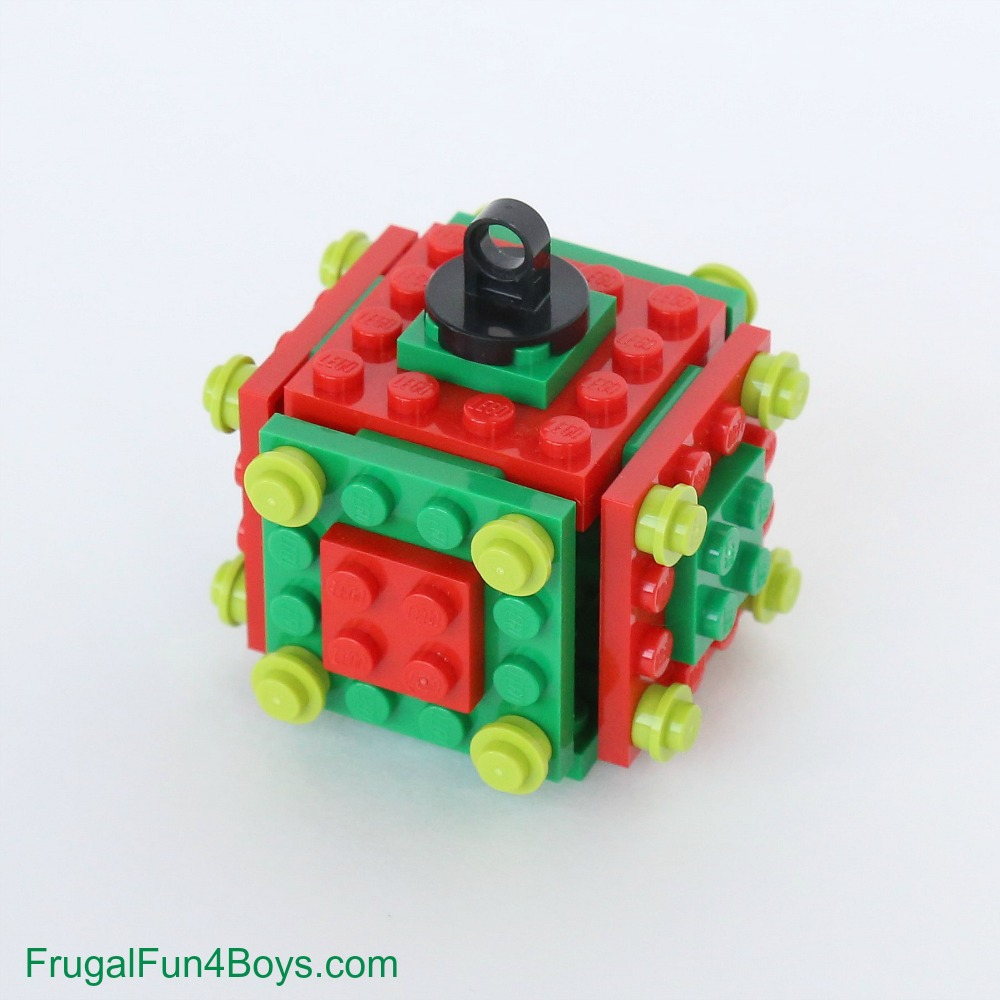 Five Christmas LEGO Projects to Build