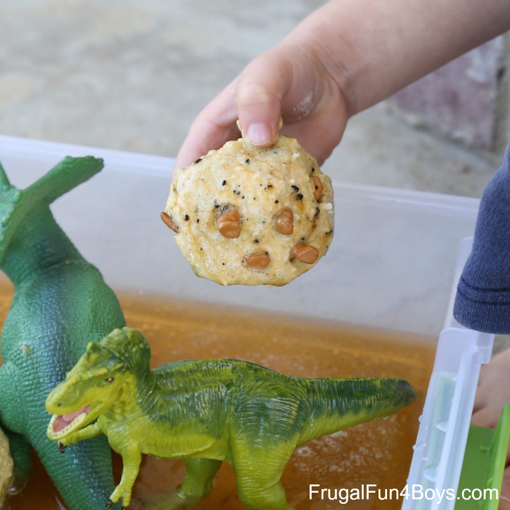 Fizzing Hatching Dinosaur Eggs! Sensory Play with Bath Bombs
