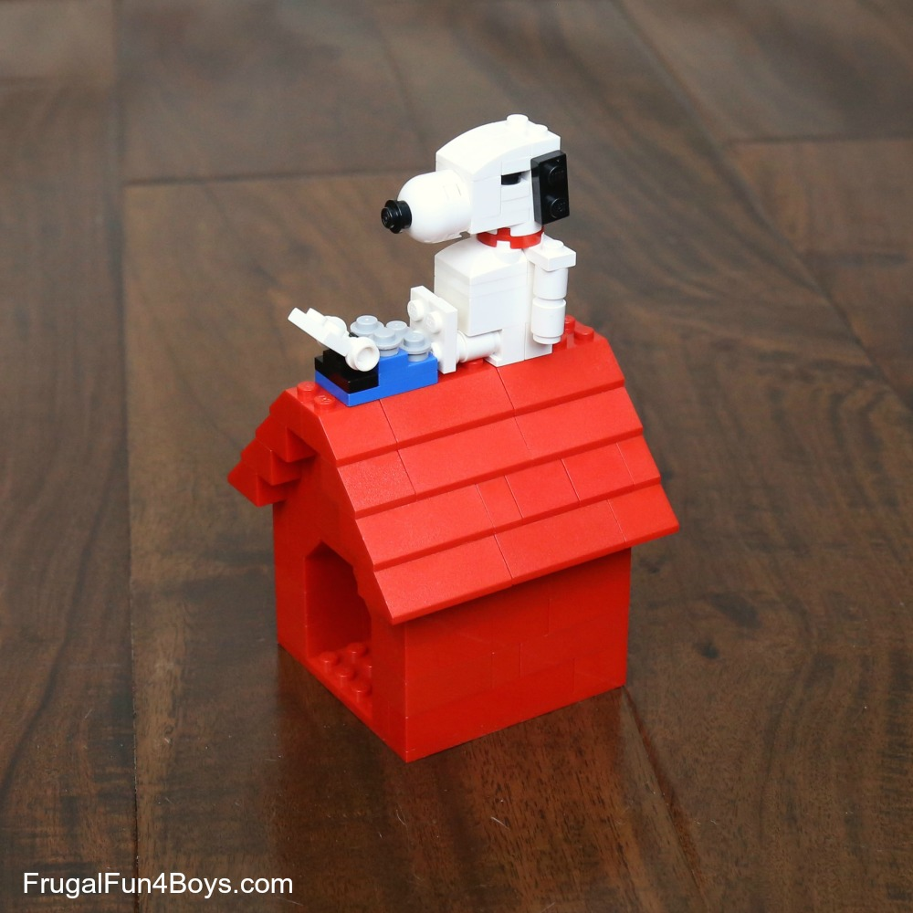 Snoopy and his Dog House LEGO Instructions