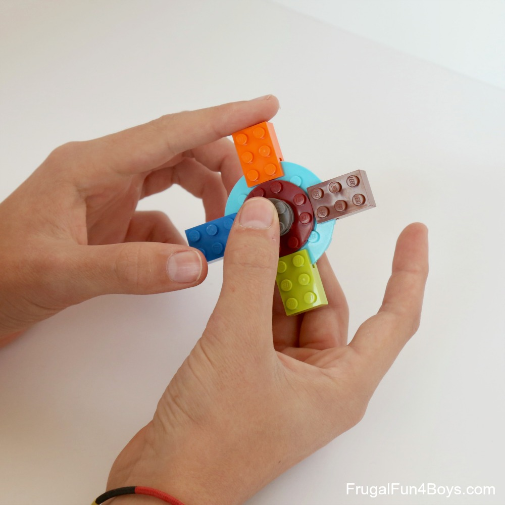 How to build a fidget spinner with lego bricks lego fidget spinner solutioingenieria Image collections