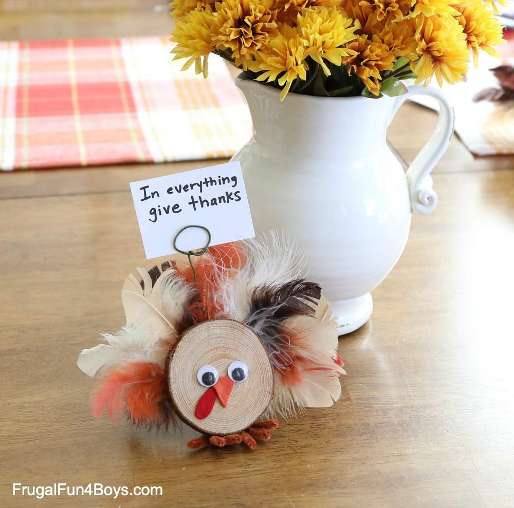 Wood Slice Turkeys Thanksgiving Craft