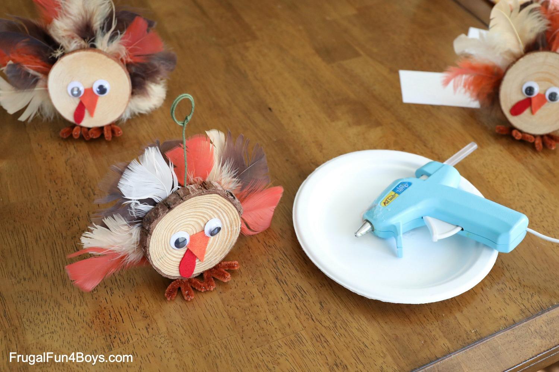 Wood Slice Turkeys Place Card Holders