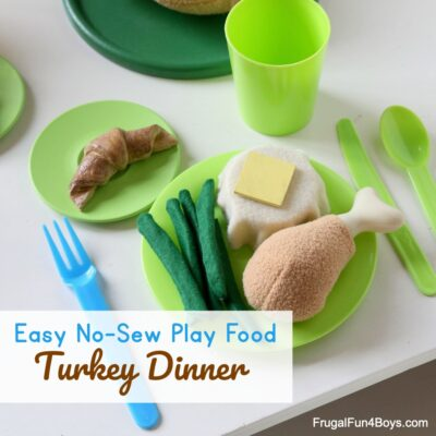 Dine in Style with this No-Sew Felt Play Food Turkey Dinner