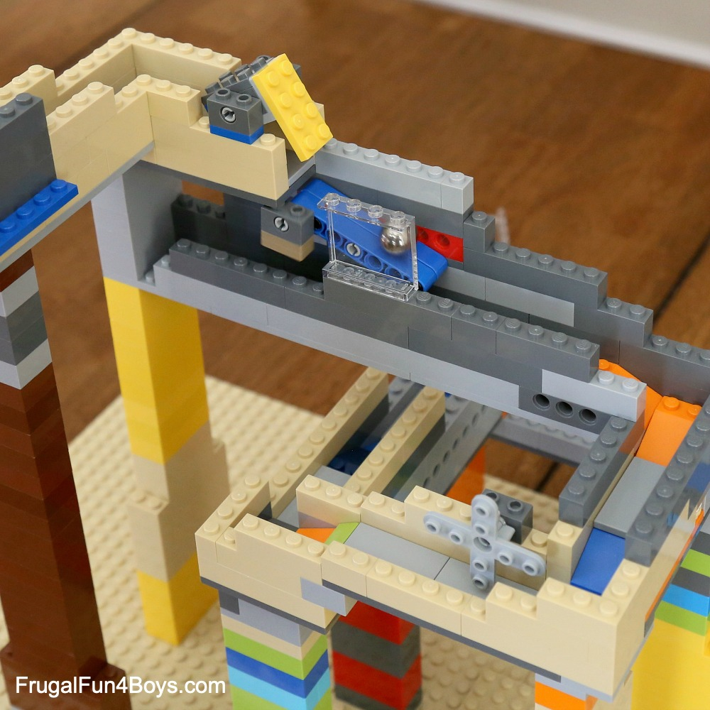 How To Build An EPIC LEGO Marble Run