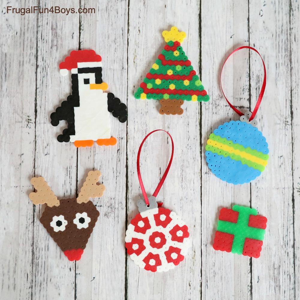 20 Tiny Santa Beads