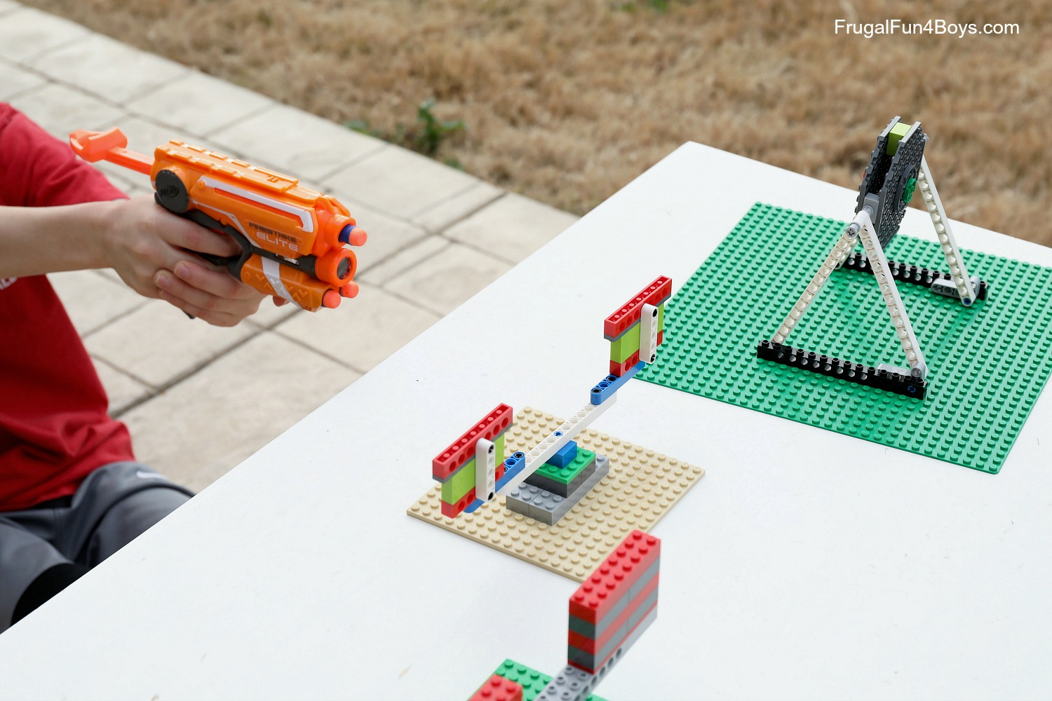How to Build Spinning LEGO Nerf Targets